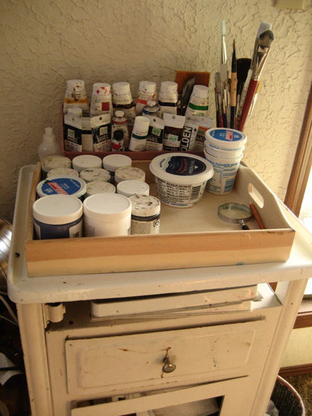 paint stand all organized