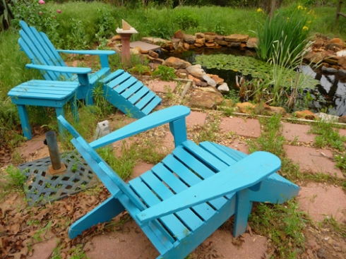 Okay, here's the theory: Lazuli buntings flying overhead see my brilliant deck chairs and mistake them for giant wooden lazuli buntings. Hey, from a few thousand feet up, what's the difference? Deck chairs= lazuli bunting decoys. They are a perfect match for color.