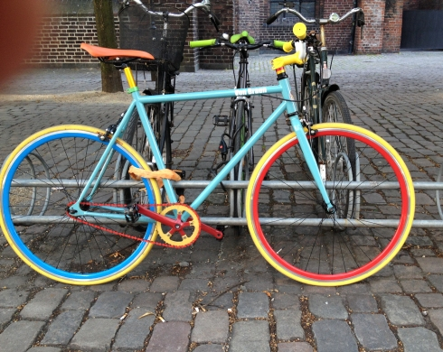 More juicy color on the streets of Copenhagen. Probably not a Schwinn.