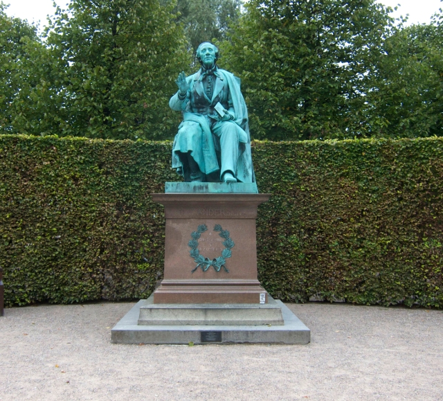 The statue itself. Sculpted 1880 by August V. Saabye. In Kongens Have, Copenhagen.